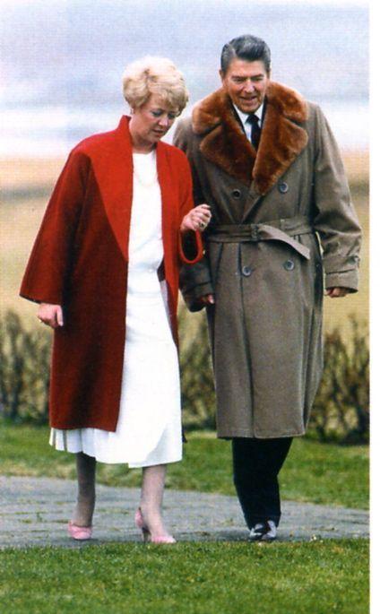 Vigdís Finnbogadóttir og Ronald Reagan forseti Bandaríkjanna